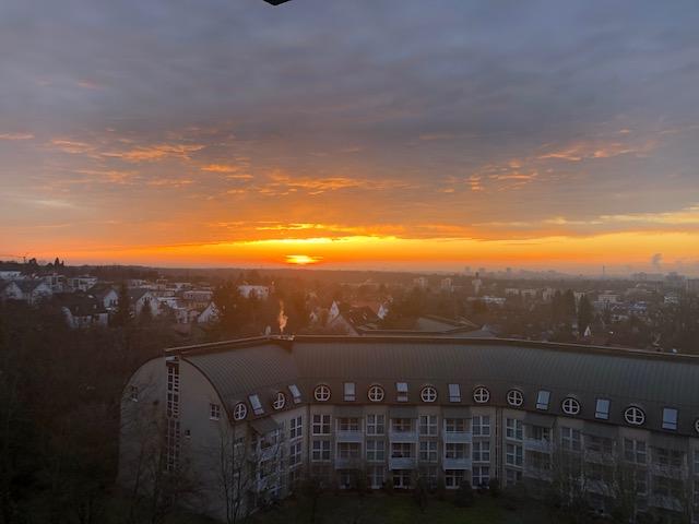 DAILY – IDEA – Golden dusk view in Frankfurt ,Germany