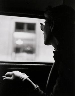 fernand fonssagrives taxi-cab 1945 lisa.jpg