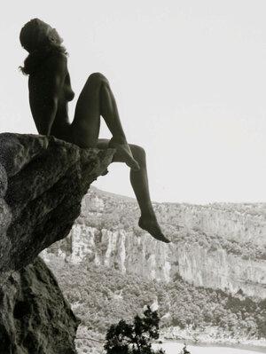 fernand fonssagrives high-dive ardeche 1936.jpg